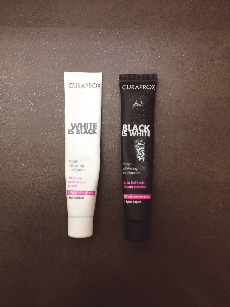 Curaprox Black is White | White is Black