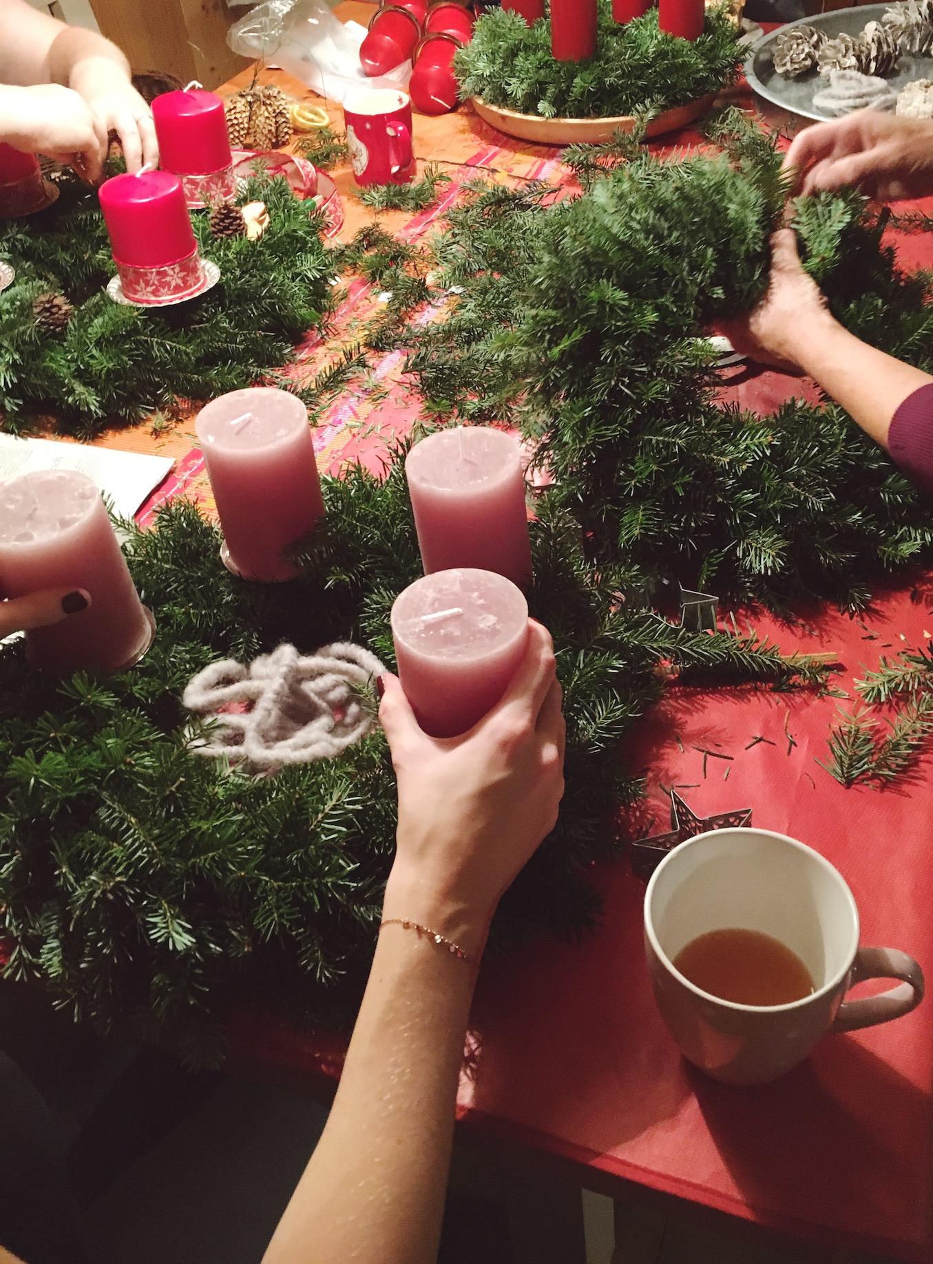 Weihnachtsdeko österreich.Diy Adventkranz Binden Life Full Of